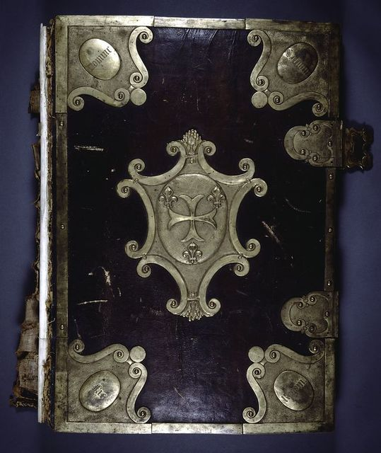 Front cover with gilt bronze ornaments.