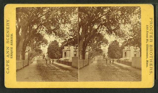 Middle St., from Washington, showing old Pearce house.