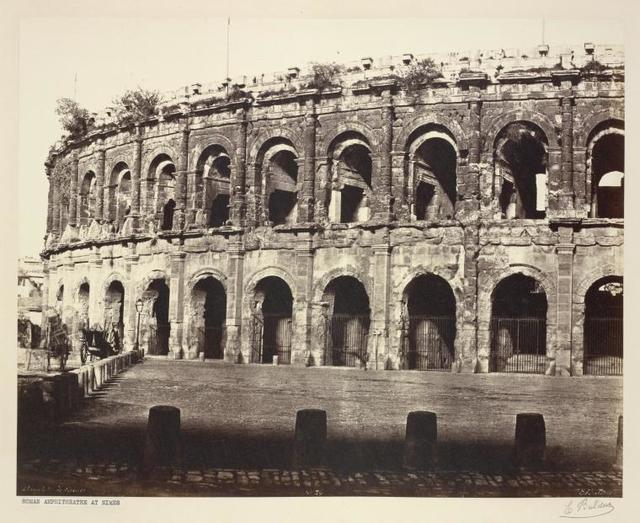 Amphe. de Nîmes.