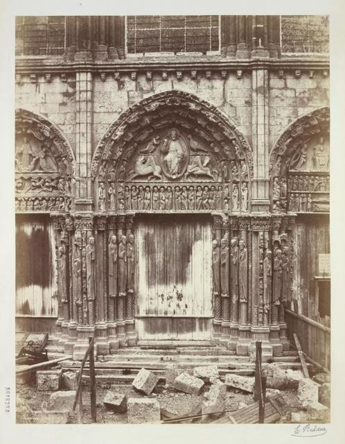 Chartres. Porte.
