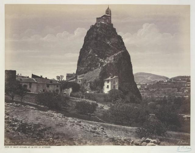 Rocher de St. Michel au Puy.