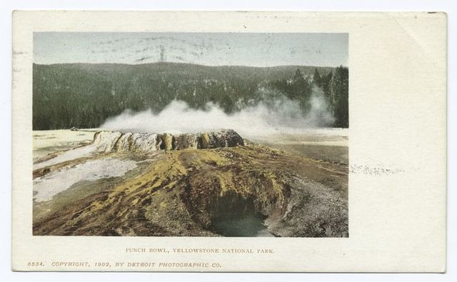 Punch Bowl, Yellowstone Nat. Park