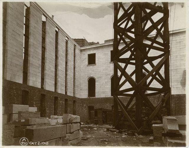 Interior work : construction of a courtyard.