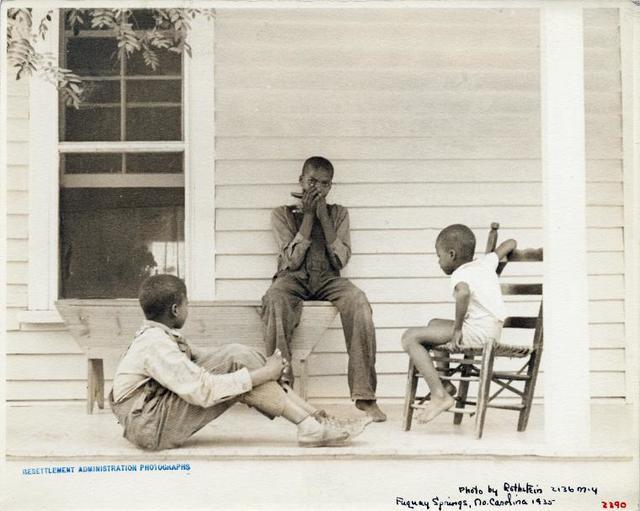 Children of Dalton MC Leod. Fuquay Springs, North Carolina. Sept. 17, 1935.