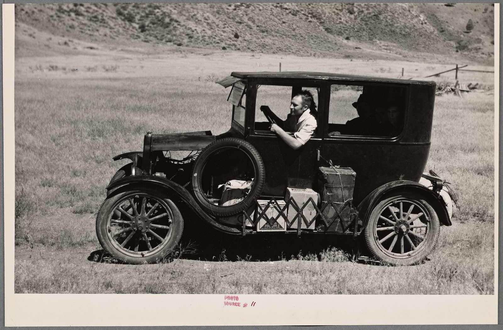Vernon Evans leaving South Dakota for a new start in the Pacific Northwest. Near Missoula, Montana.