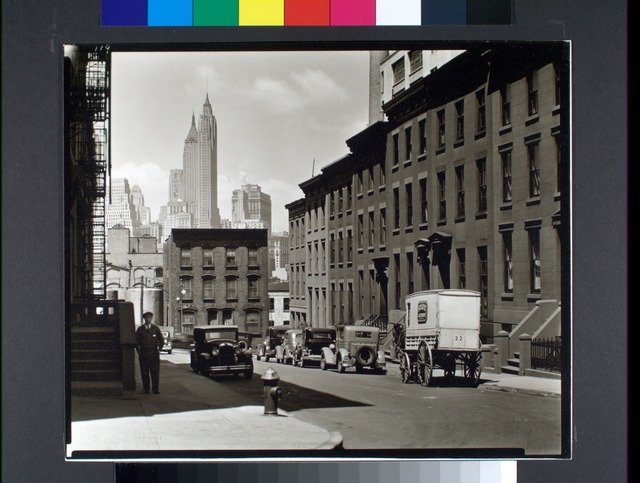 Willow and Poplar Street, looking east [sic, view is actually looking toward Manhattan], Brooklyn.