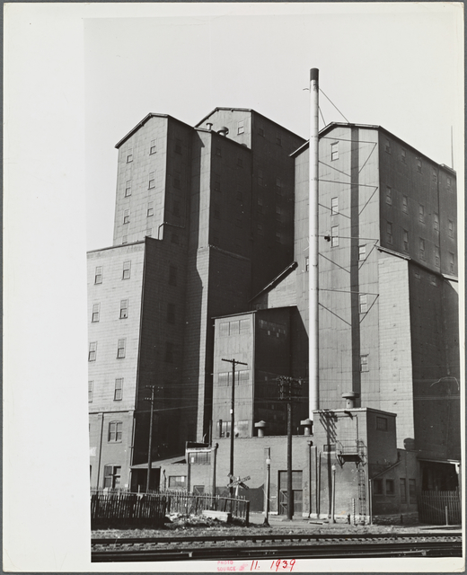 Grain elevator on riverfront, Saint Louis, Missouri