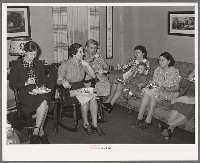 Refreshments at close of meeting of home demonstration club. McIntosh County, Oklahoma