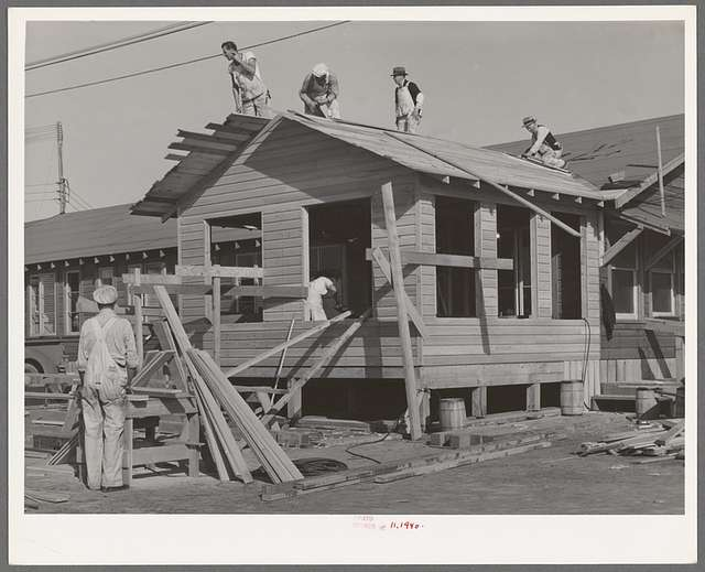 Men working on office building of replacement cantonment of coast artillery. San Diego, California