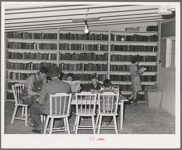 In the library of the FSA (Farm Security Administration) farm families community. Yuma, Arizona