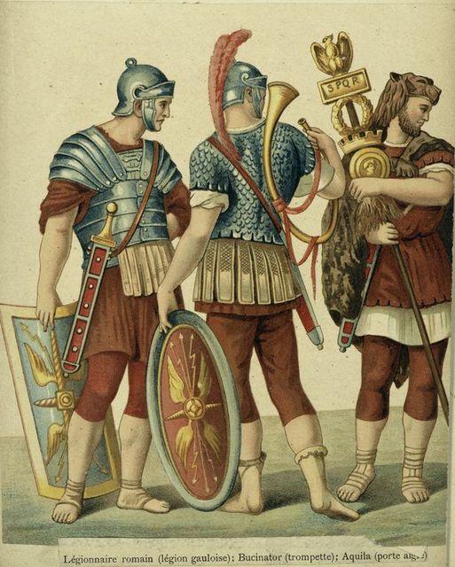 Légionnaire romain (légion gauloise) : bucinator (trompette); Aquila.