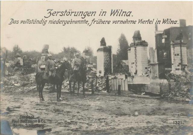 Zerstörungen in Wilna. Das vollständig niedergebrannte, frühere vornehme Viertel in Wilna.