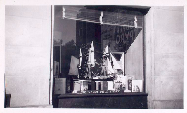 Exterior, window display on sailing and the sea