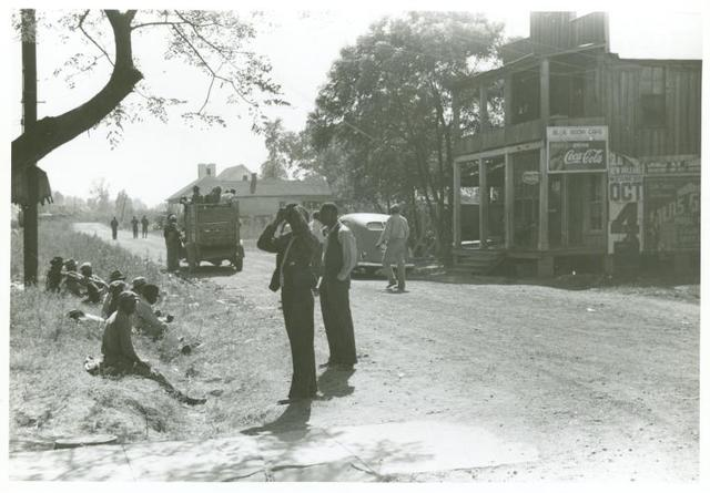 Negro section of town, Saturday noon Belzoni, Miss., Nov. 1939.