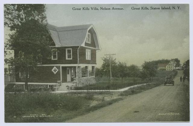 Great Kills Villa, Nelson Avenue, Great Kills, Staten Island, N.Y.  [old car in dirt street in front of restaurant]