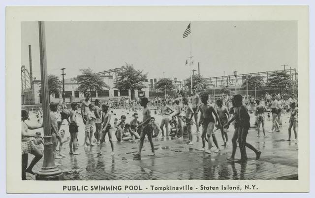 Public Swimming Pool, Tompkinsville, Staten Island, N.Y. [lots of children in wading pool]